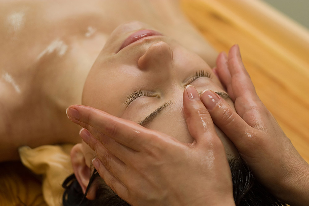 massagem-ayurvedica-facial